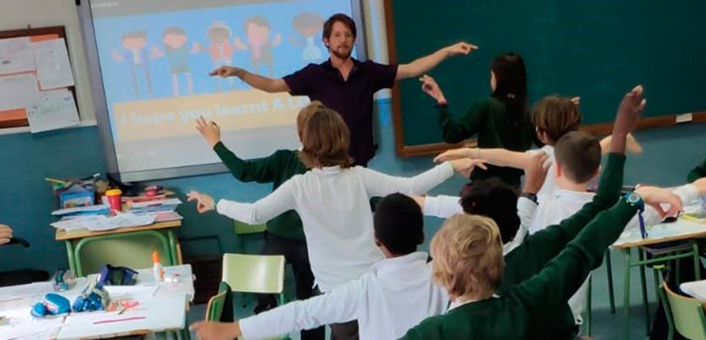 Teach English in Spanish public schools
