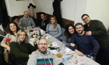 Build Community While Living in Spain, making new friends